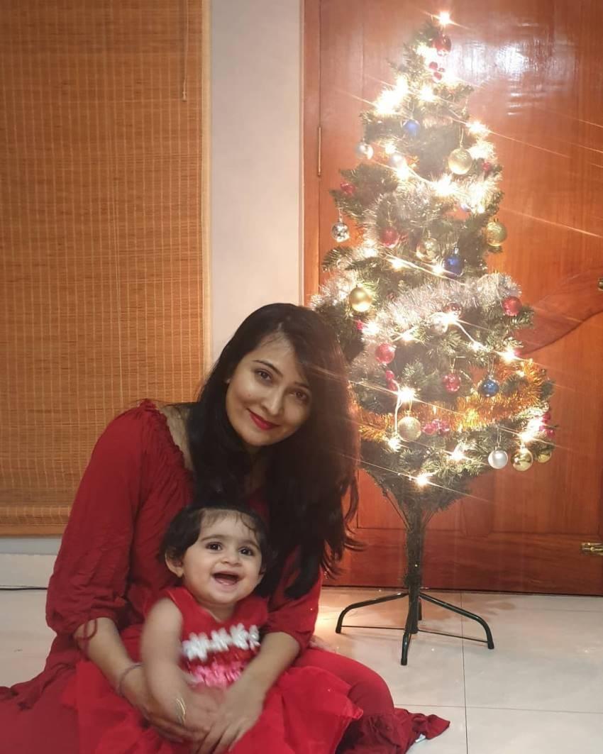Cutest Photos Of Yash & Radhika Pandit Daughter Photos