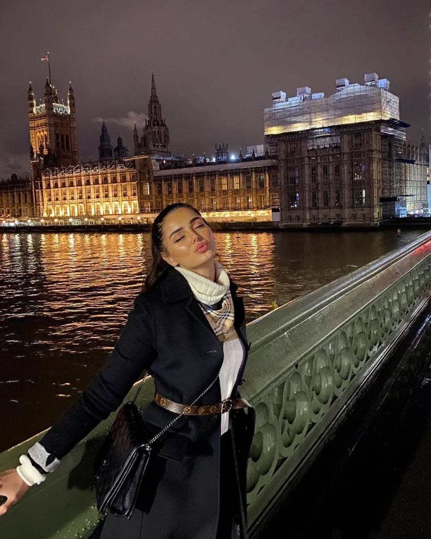 Iranian Model Mahlagha Jaberi Lookalike World's Most Beautiful Woman Aishwarya Rai Bachchan Photos