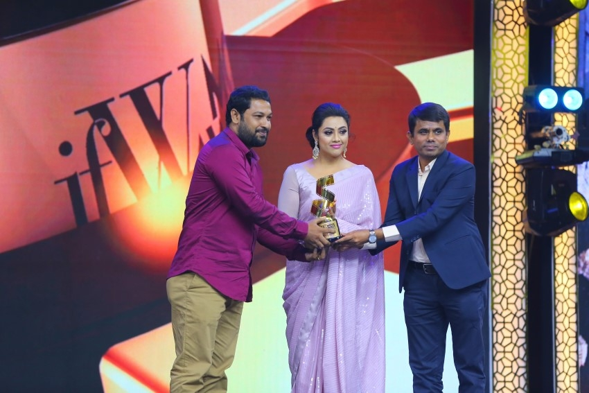 JFW Recognises Women in Tamil Cinema In Their Grand Movie Awards Photos