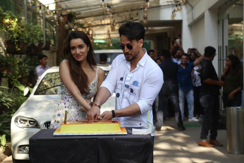Shraddha Kapoor celebrate her Birthday with Tiger Shroff Photos