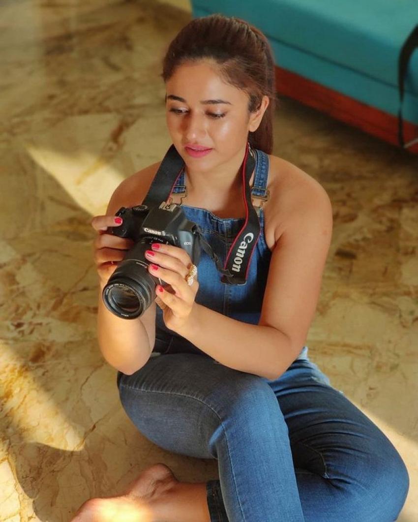 Poonam Bajwa Photos