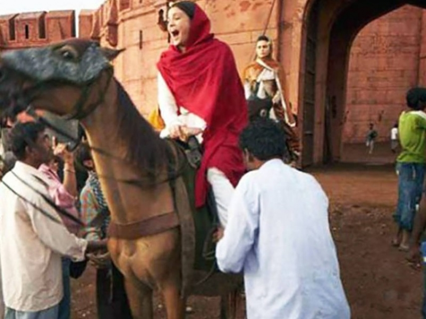 Reality Of Bollywood Cinema Captured From Movies On The Set Photos
