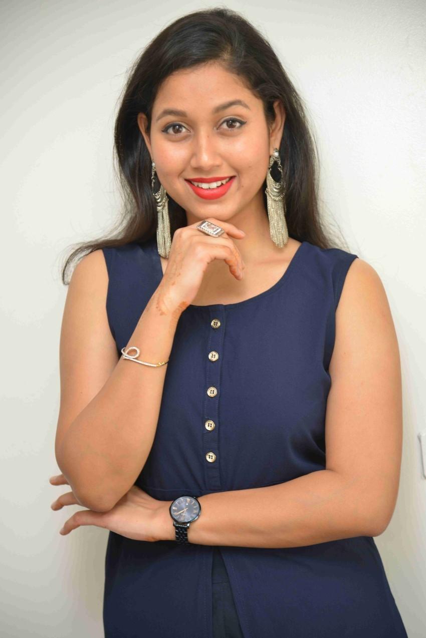 Shraddha Benagi Photos