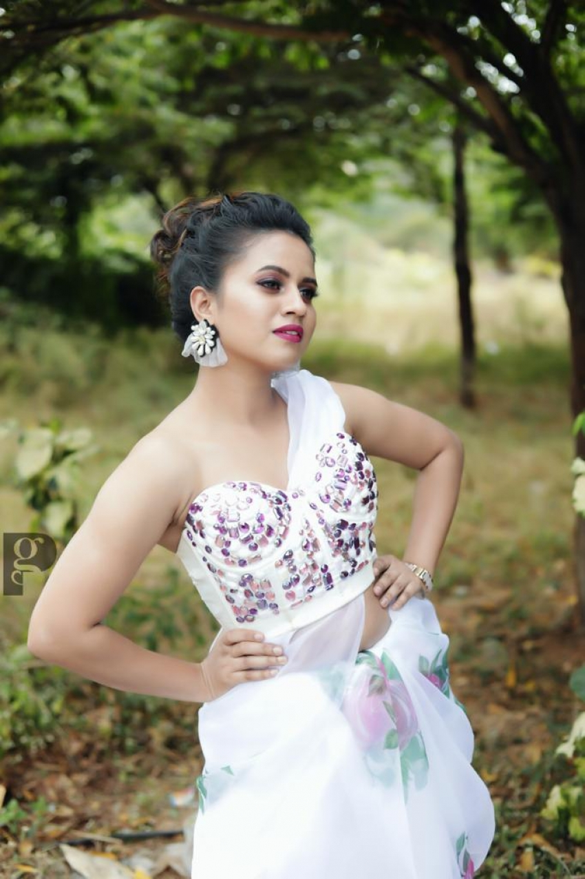 Dravya Shetty Photos