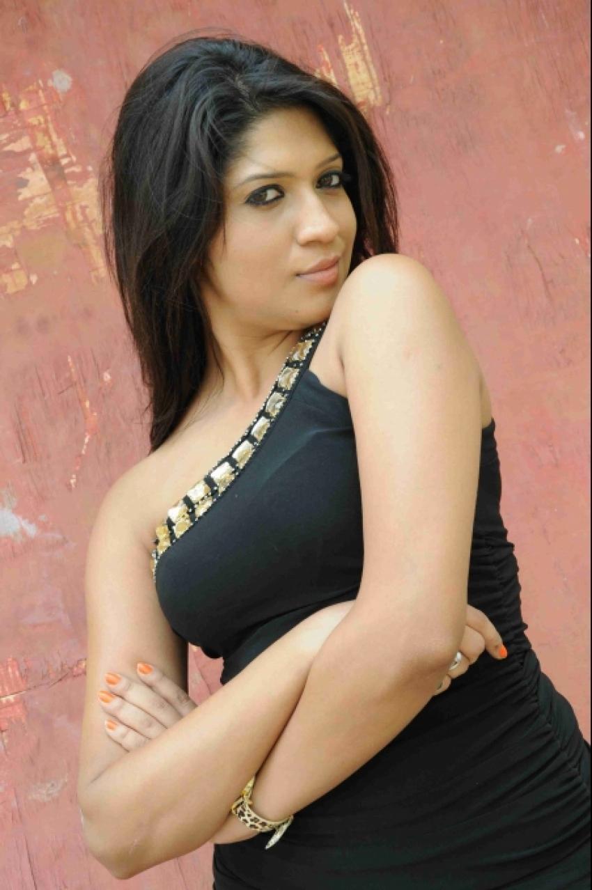 Iti Acharya Photos