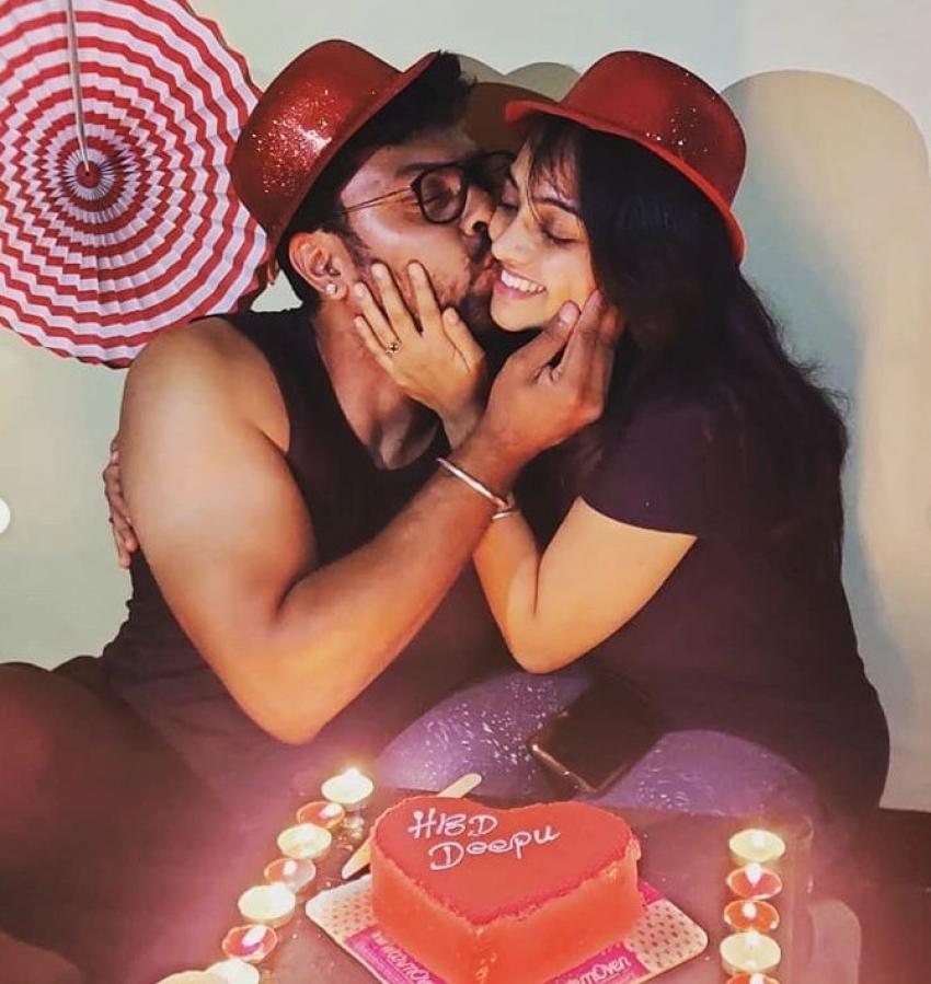 Kulavadhu Fame Dhanya Deepika Birthday Celebration Photos