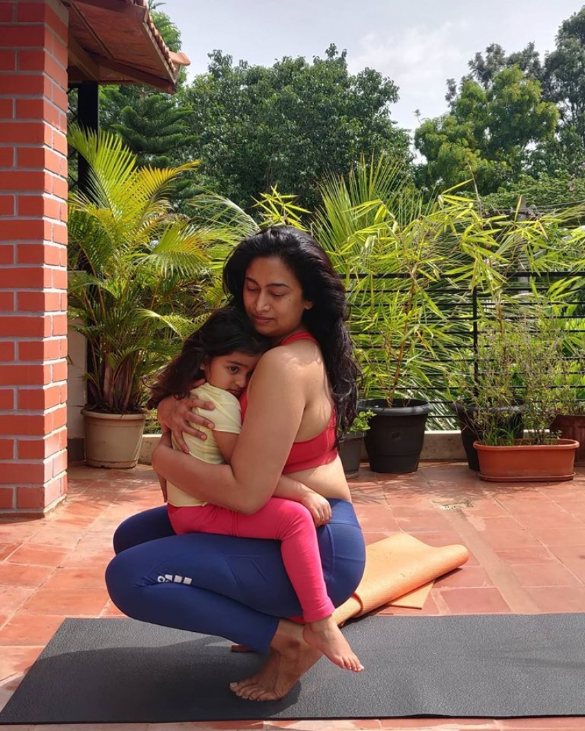 Shwetha Srivatsav With Her Cute Baby Doll Photos