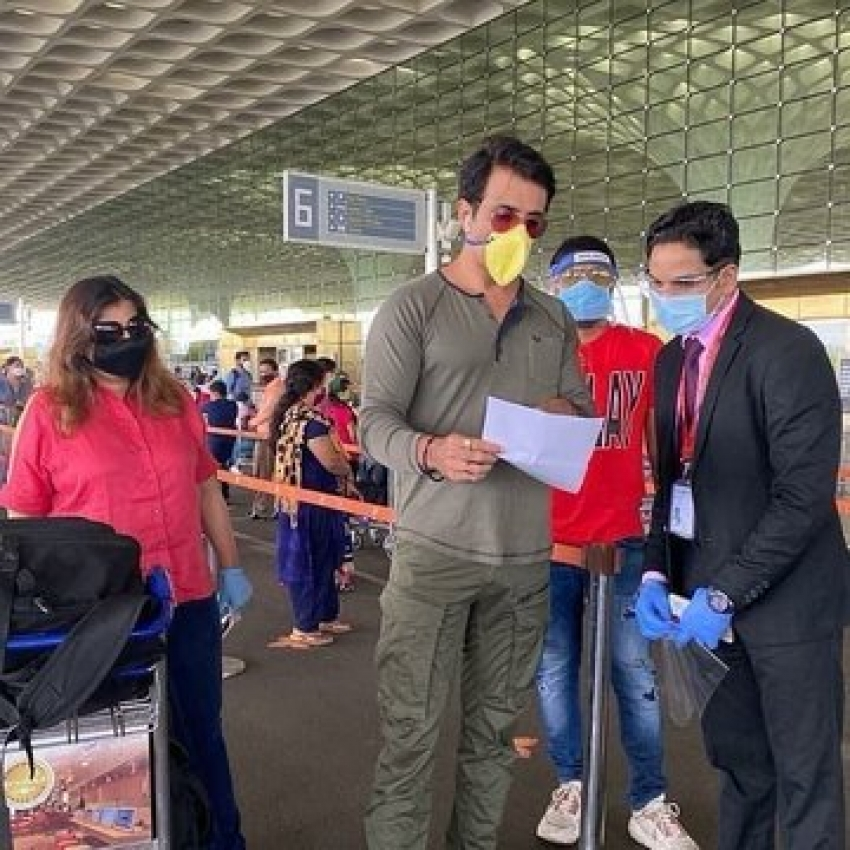 Sonu Sood Helping Migrants To Reach Their Home Photos