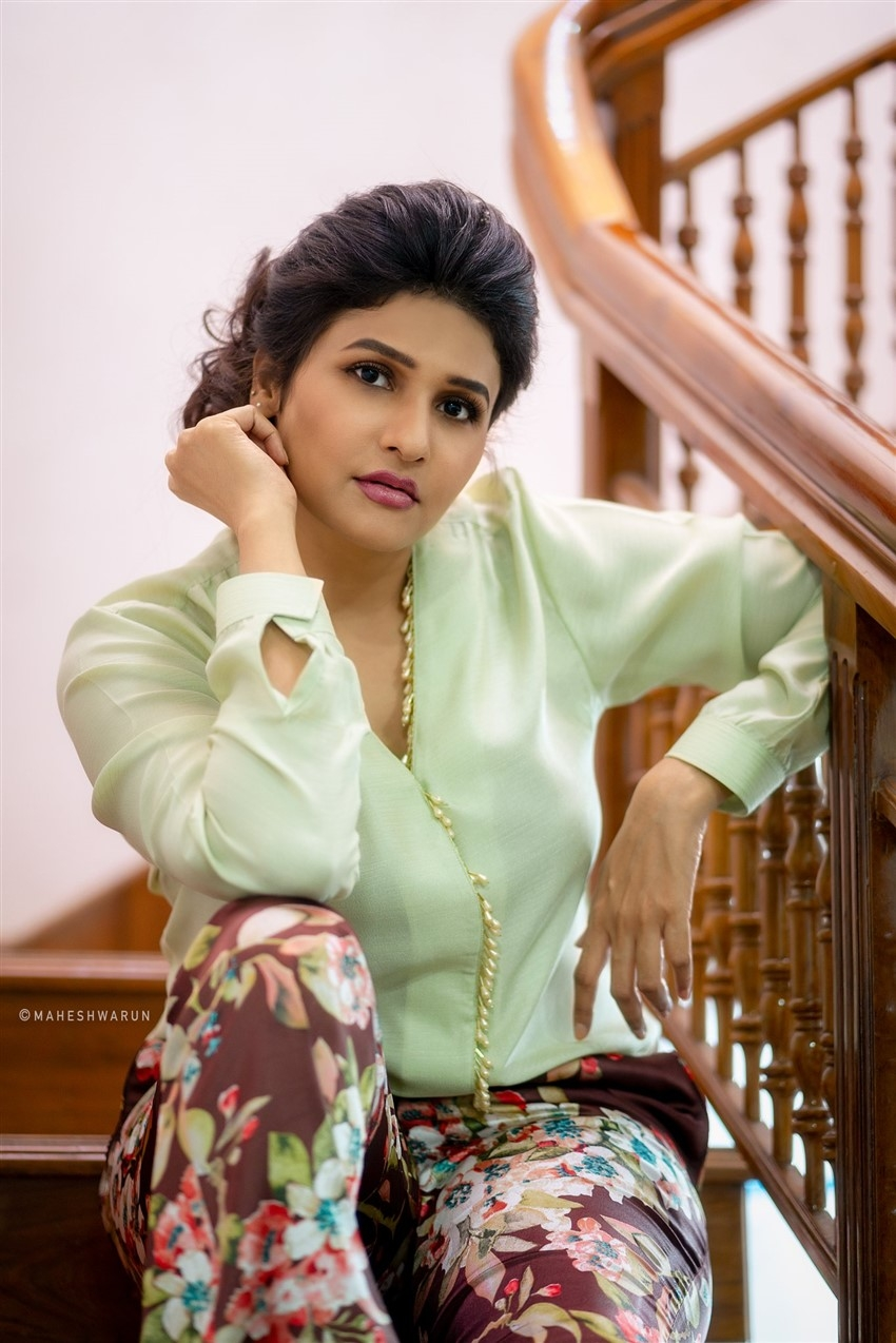 Anjena Kirti Photos