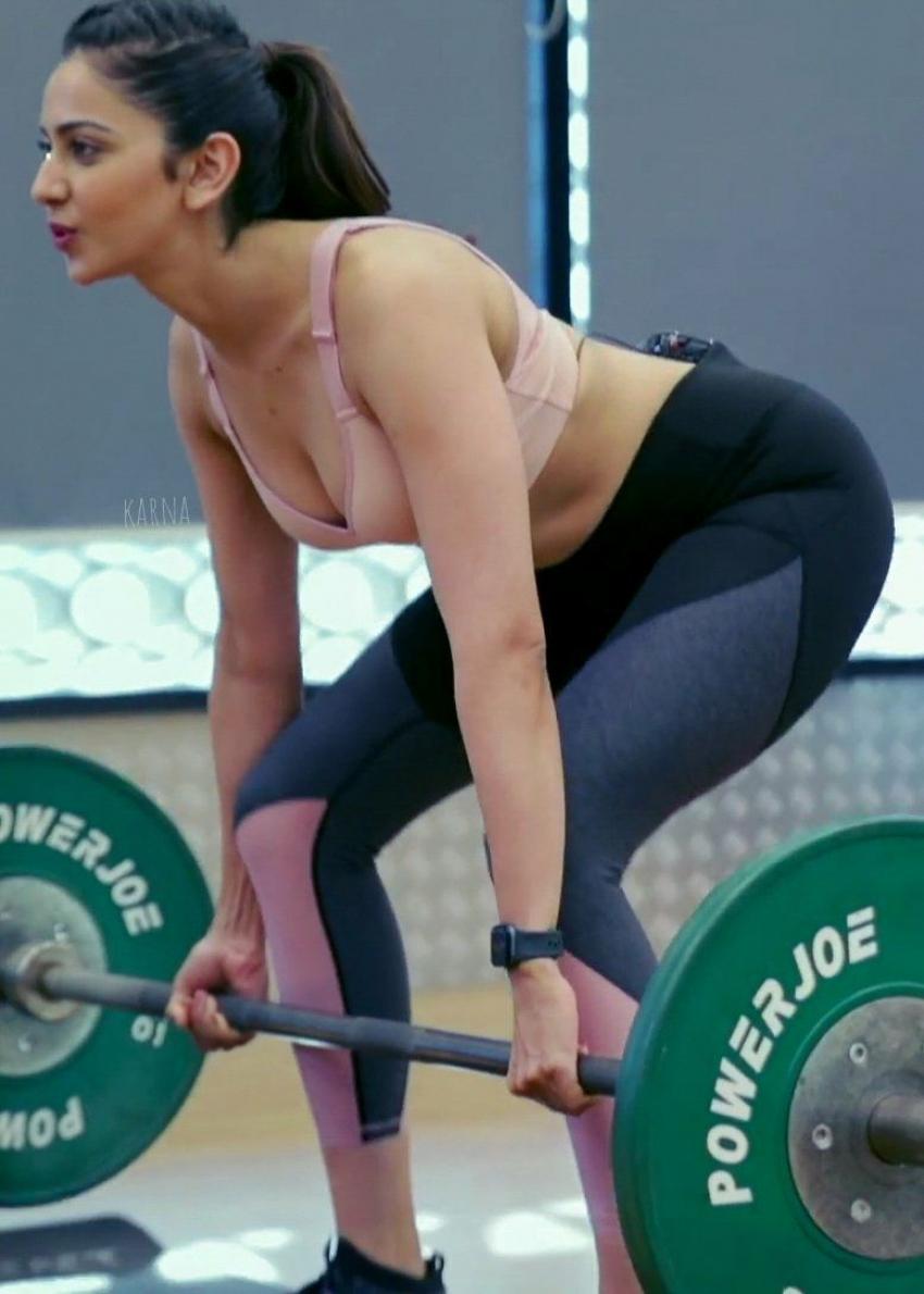 Rakul Preet Singh Workout Photos Goes Viral On Internet Photos