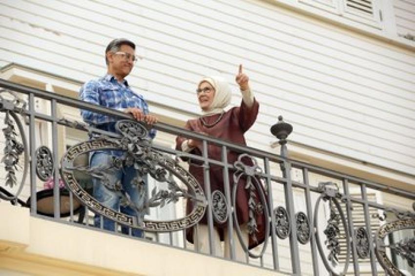 Aamir Khan meets Turkey First Lady while shooting Laal Singh Chaddha Photos