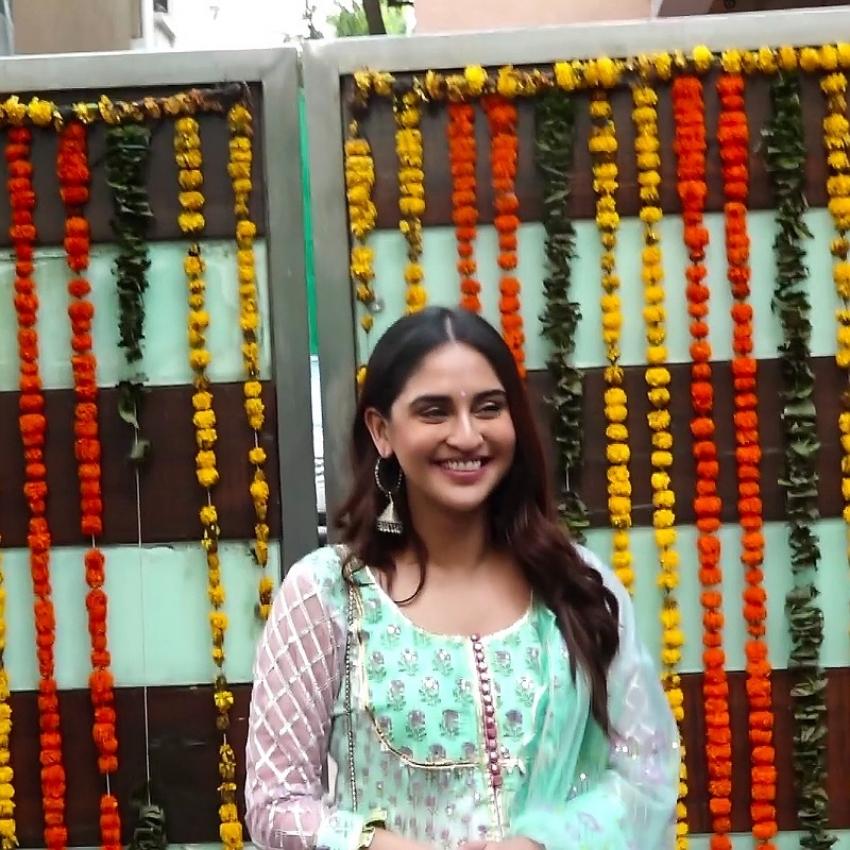 Celebs At Ekta Kapoor Ganapti Visarjan Photos