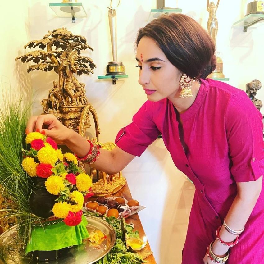 Ragini Dwivedi Ganesh Celebration 2020 Photos