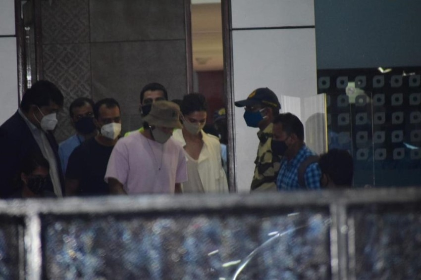 Deepika Padukone and  Ranveer Singh at Mumbai Airport Photos
