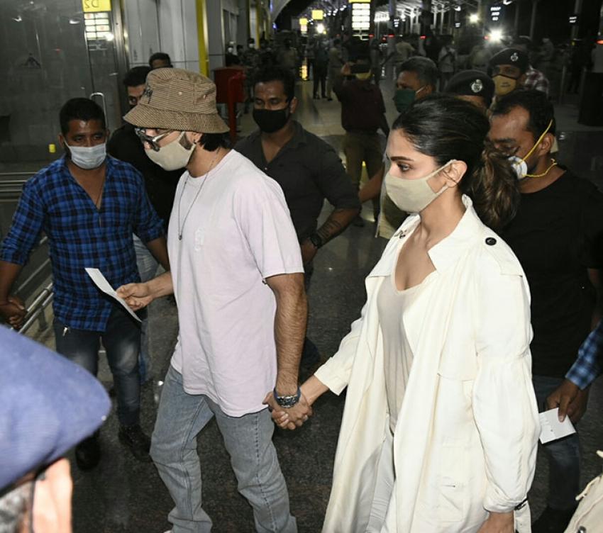 Deepika Padukone with Ranveer Singh at Dabolim Goa Airport Photos
