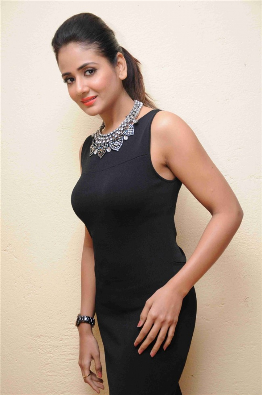 Parul Yadav Photos
