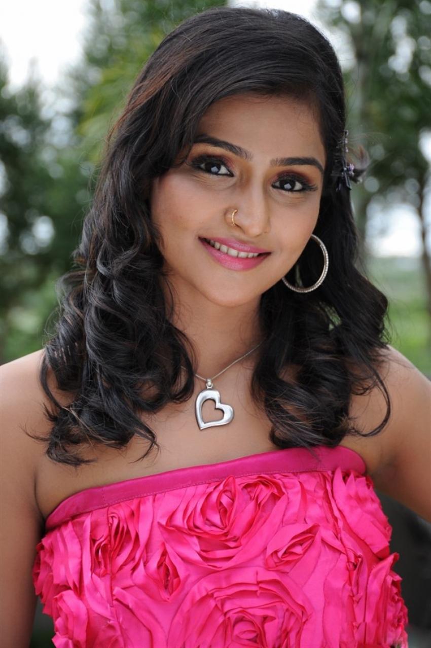 Remya Nambeesan Photos
