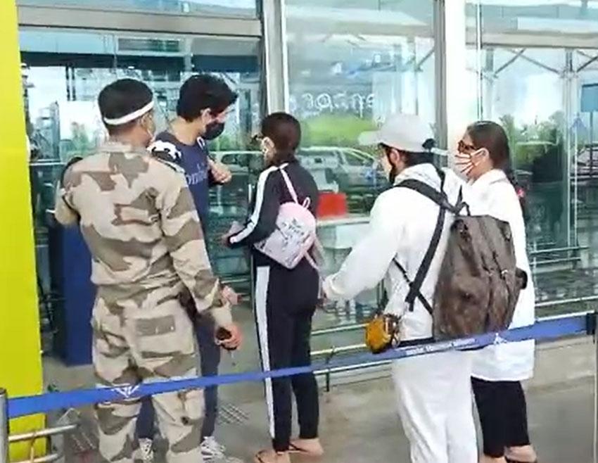 Sara Ali Khan Snapped at Goa Airport Photos