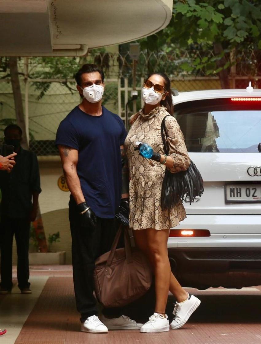 Karan Singh Grover And Bipasha Basu Spotted At Bandra Photos