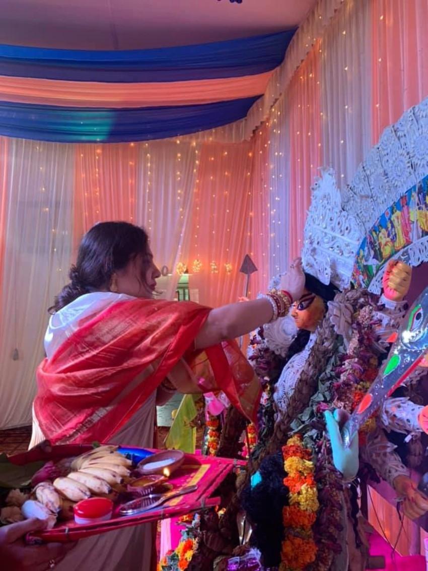 Priyanka Upendra at Durga Pujo 2020 Photos
