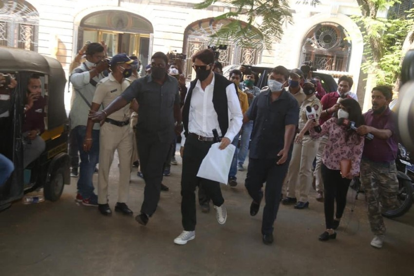 Arjun Rampal at NCB office for interrogation in Drugs Probe Photos