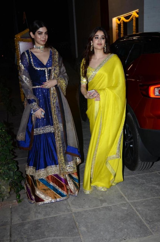 Boney Kapooor, Khushi, Janhvi Diwali Party 2020 Photos