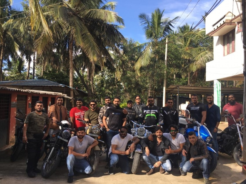 Darshan Enjoys Ride With Gang In Madikere Photos