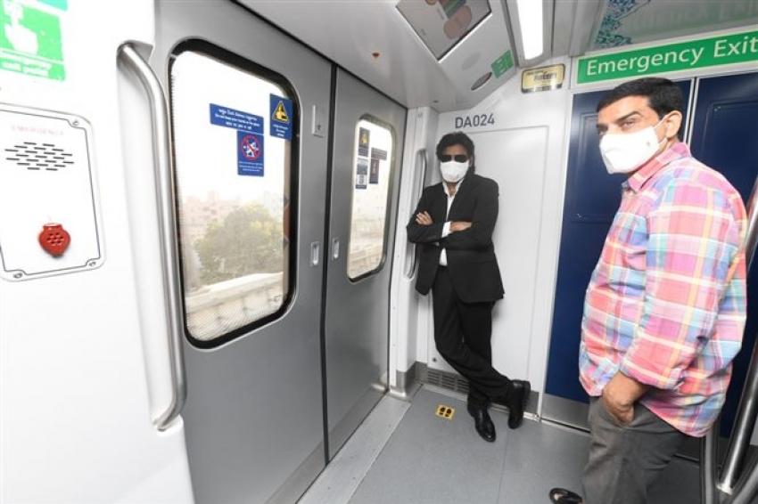 Pavan Kalyan Travelled in Metro to reach Shooting Spot Photos