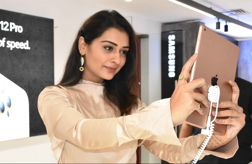 Payal Rajput Launched 75th Store of Bajaj Electronics at Shaikpet in Hyderabad Photos
