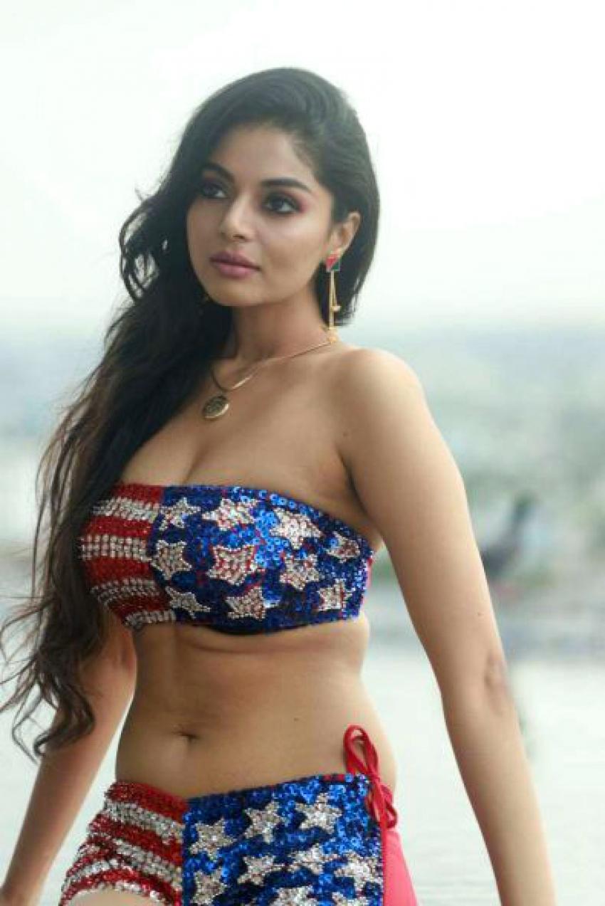 Sanam Shetty Photos