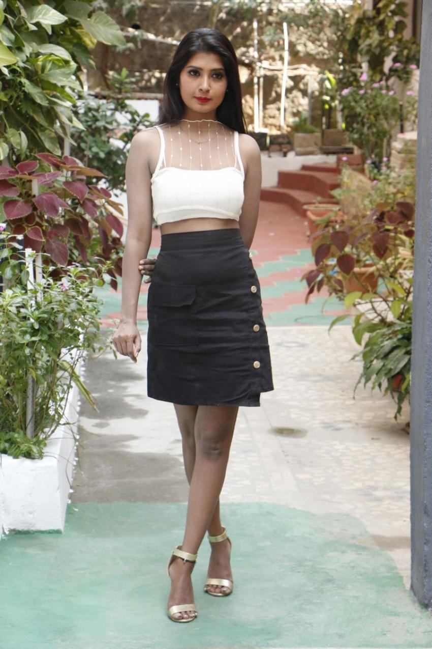 Sanjana Photos