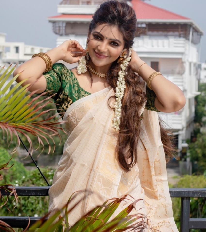 Athulya Ravi Photos
