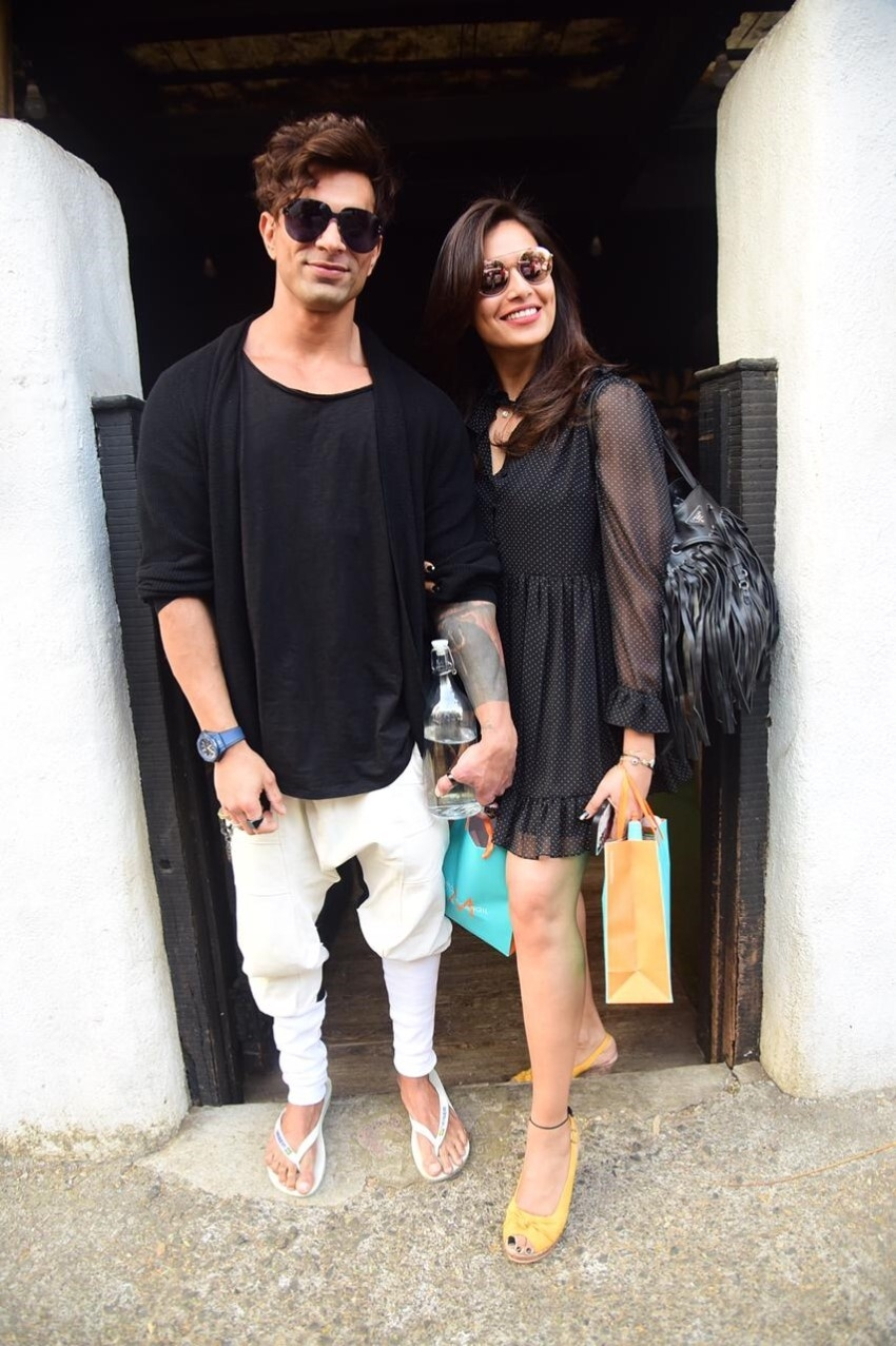 Karan Singh Grover and Bipasha Basu snapped at Hakim's Aalim Photos