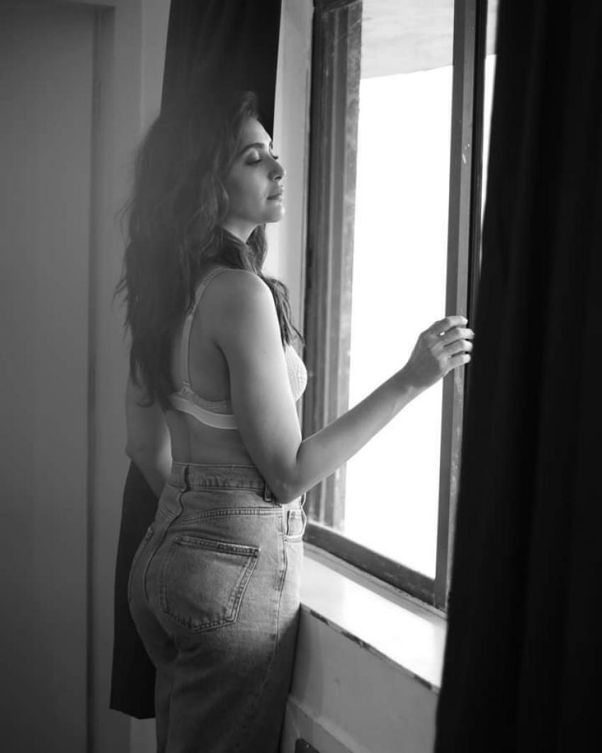 Karishma Tanna Photos