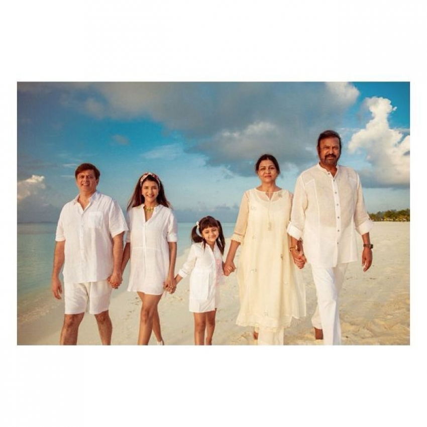 Manchu Family Enjoying Vacation in Maldives Photos