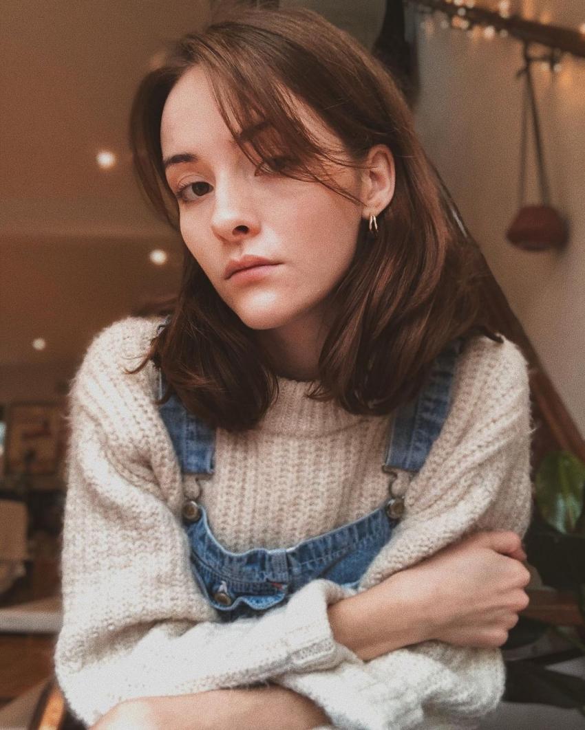 Olivia Morris Photos