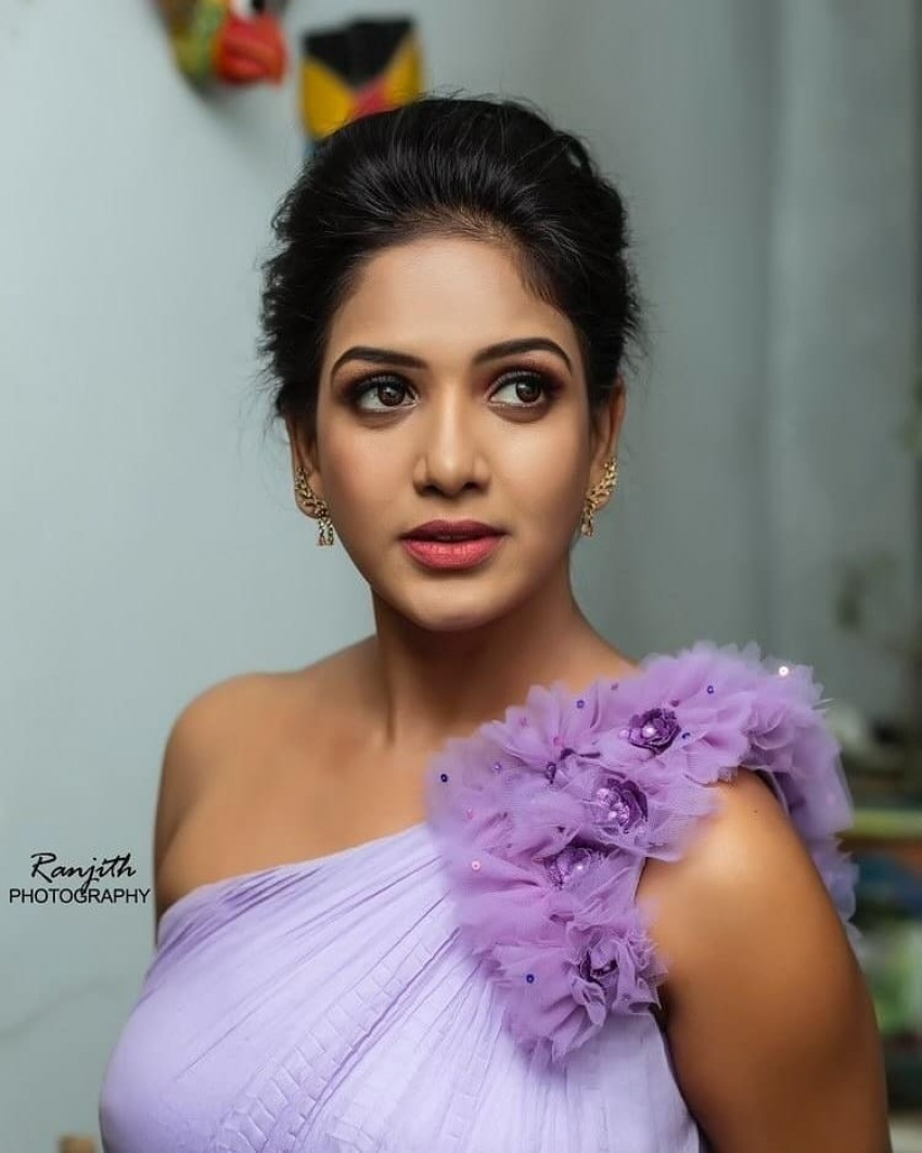 Pavani Reddy Photos [HD]: Latest Images, Pictures, Stills of Pavani Reddy -  FilmiBeat
