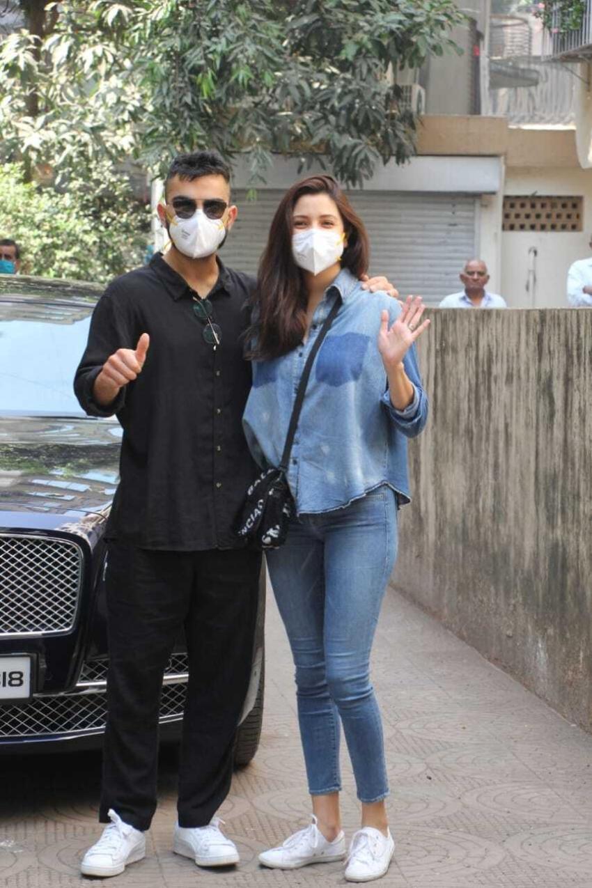 Virat Kohli & Anushka Sharma snapped at a clinic in Khar Photos