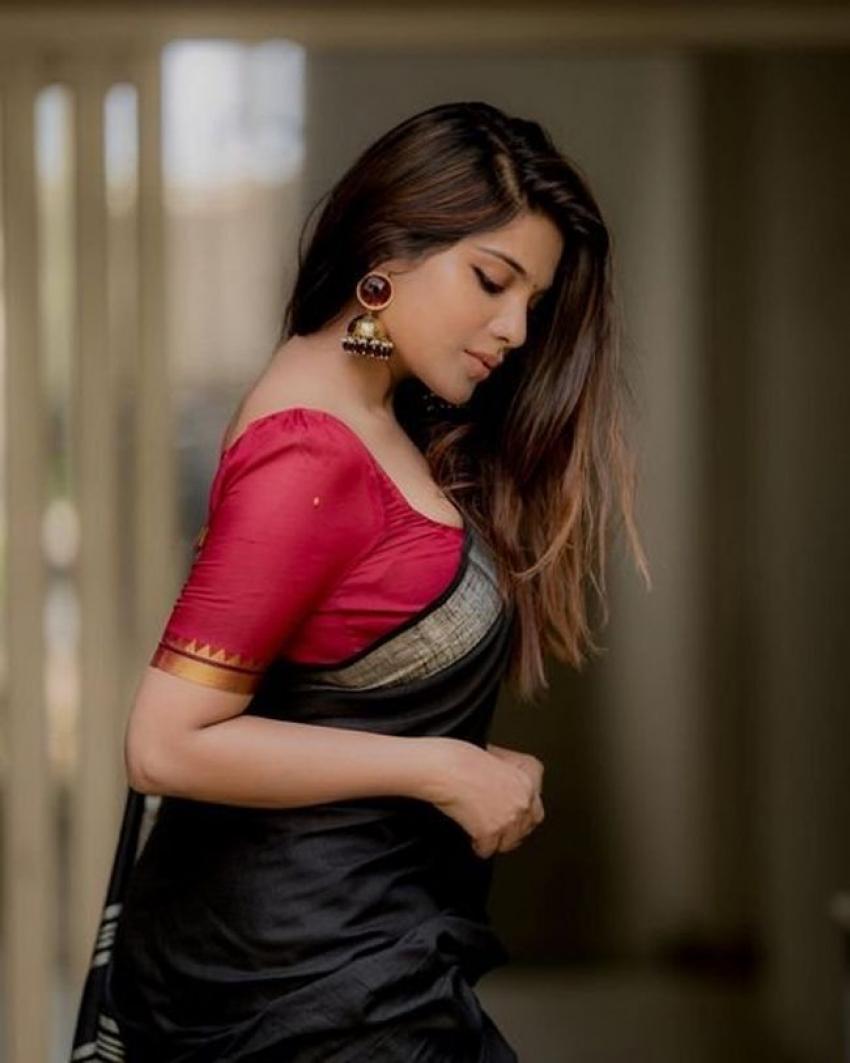 Aathmika Photos