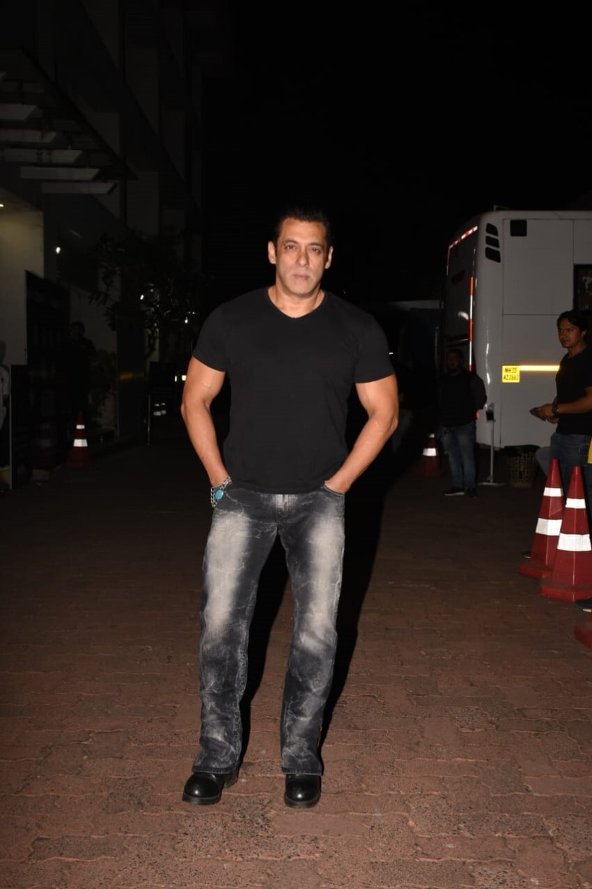 Salman Khan & Others at Grand Opening Ceremony Of Zee TV Reality Show 'The Indian Pro Music League' Photos