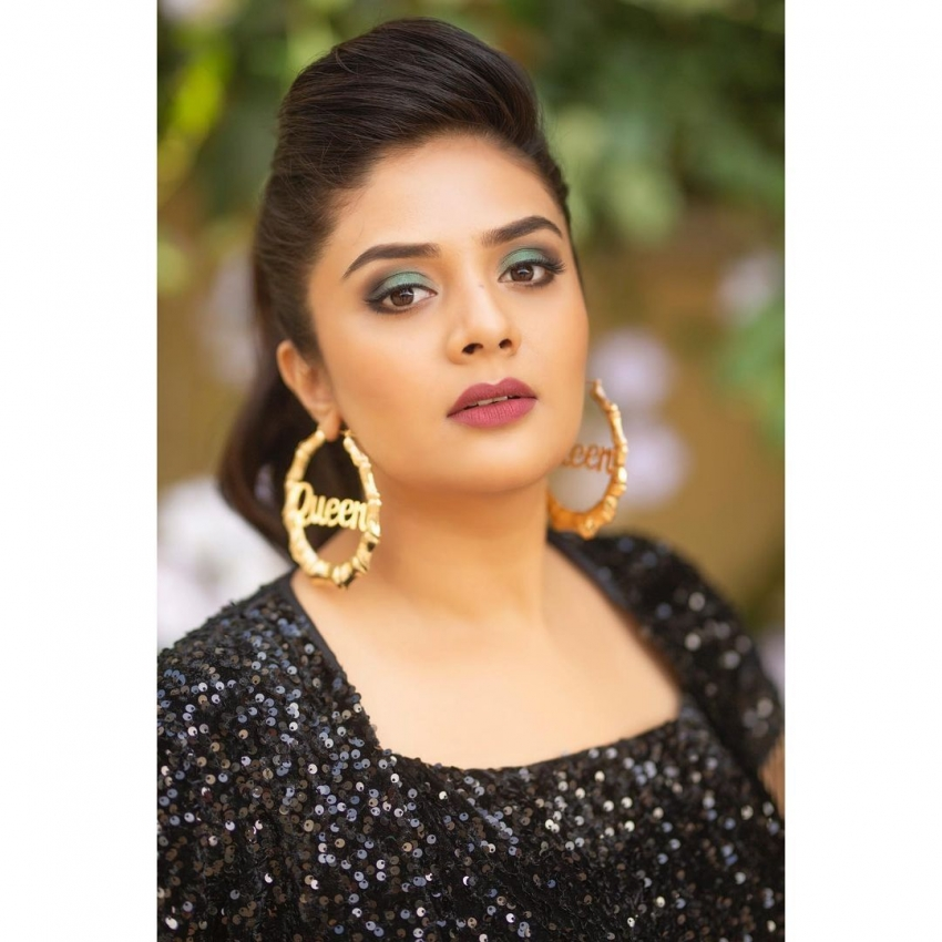 Sreemukhi Photos
