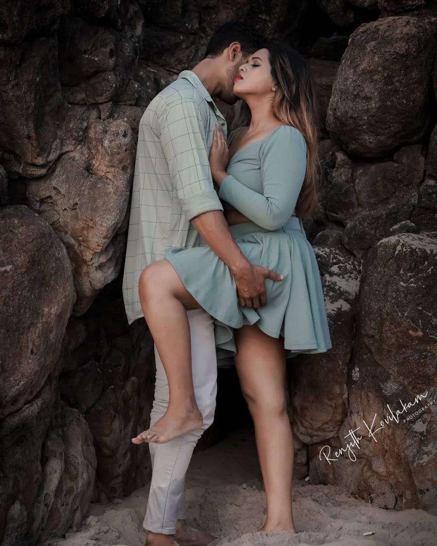 Valentines Day 2021 Pearly Beach Side Romantic Photo Shoot Photos