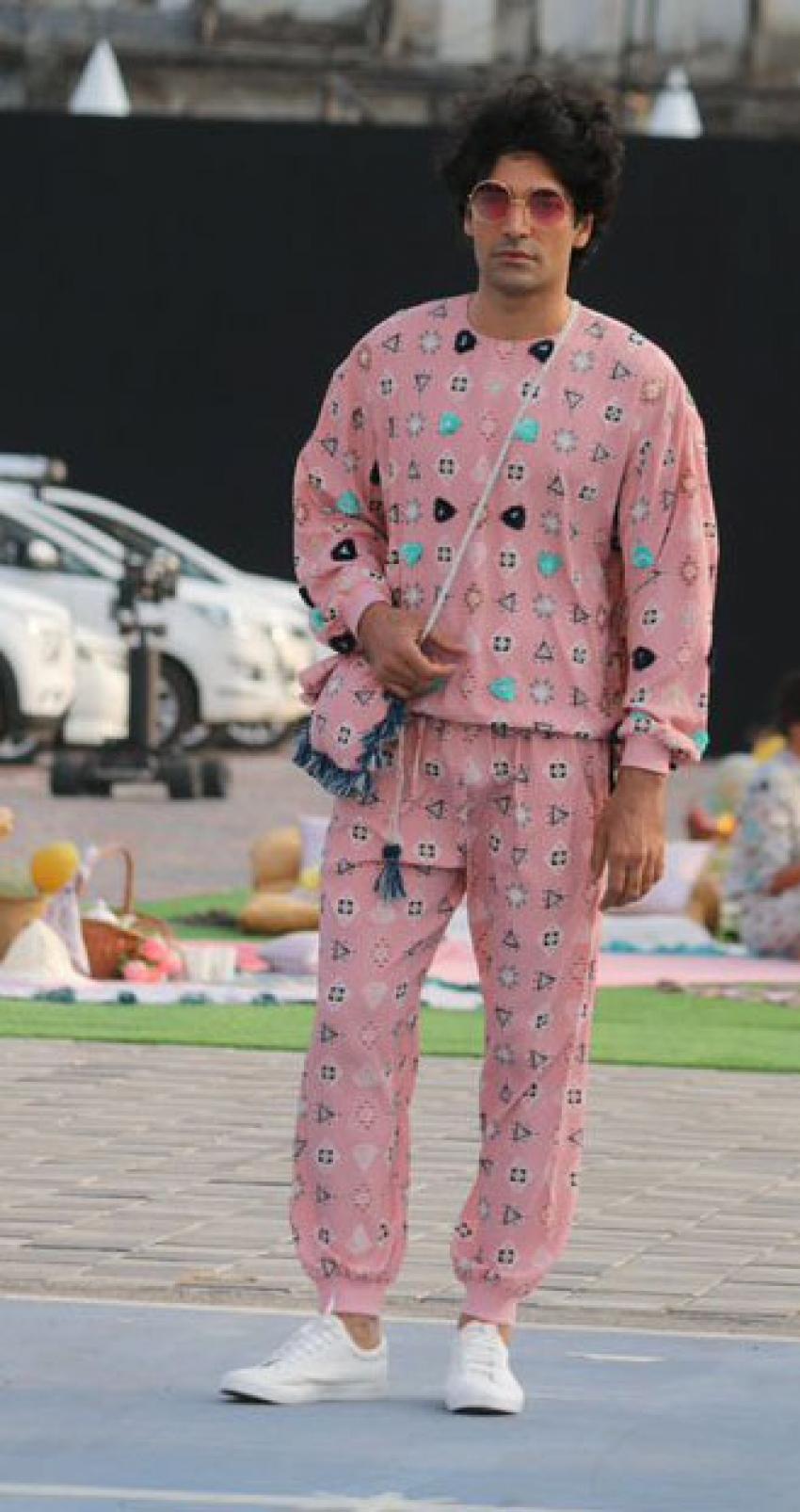 Athiya Shetty Showstopper At Lakme Fashion Week 2021 Photos
