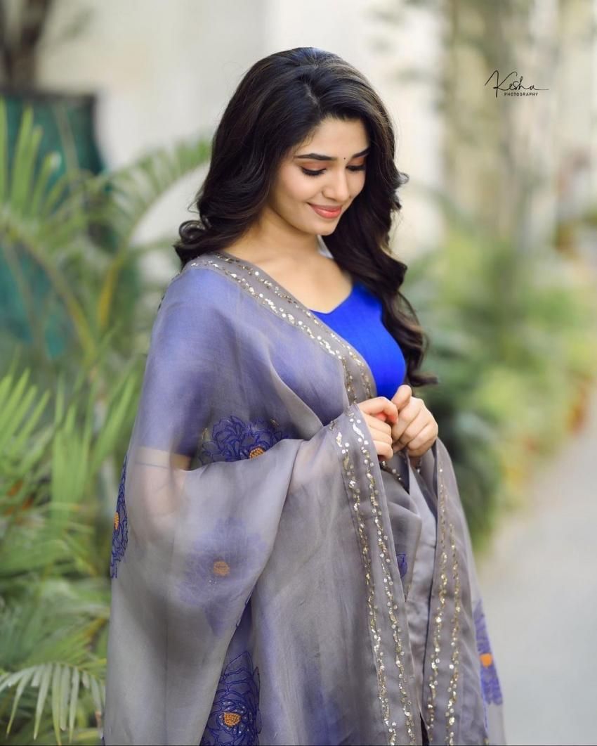 Krithi Shetty Photos