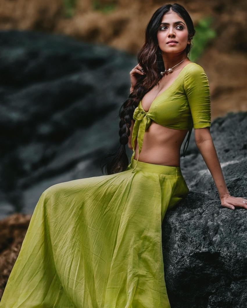 Malavika Mohanan Photos