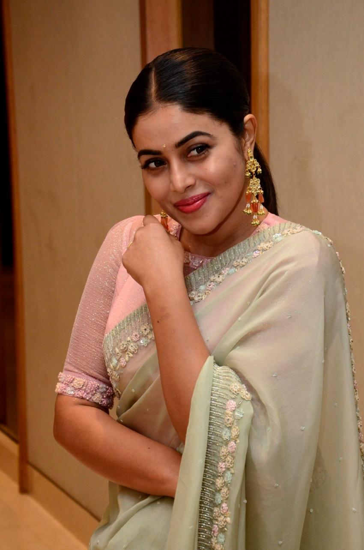 Poorna (Shamna Kasim) Photos
