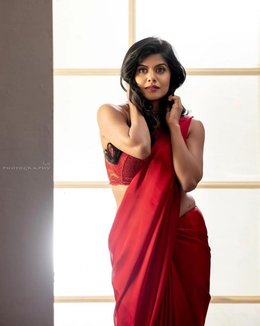 Singer Swagatha Photos