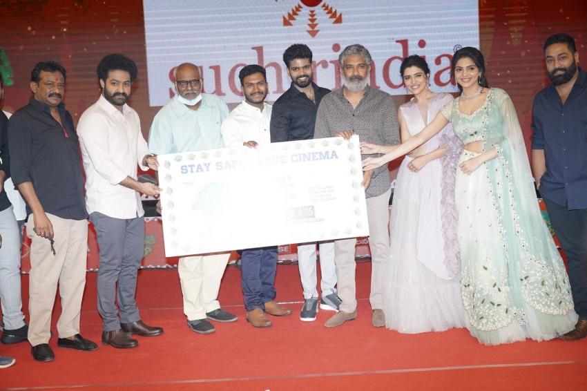 Telavarithe Guruvaram Movie Pre Release Photos