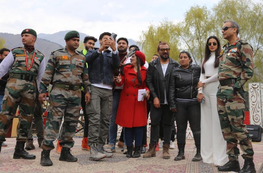 Vicky Kaushal and Sonal Chauhan at Umeed ka Seher a Cultural Event Photos