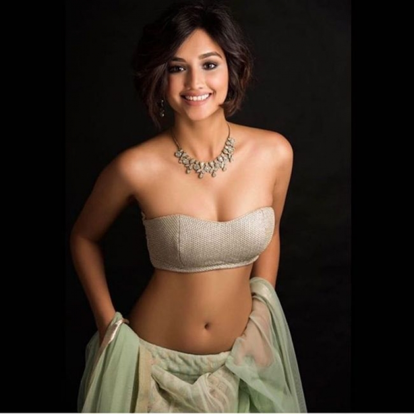 Akanksha Sharma Photos